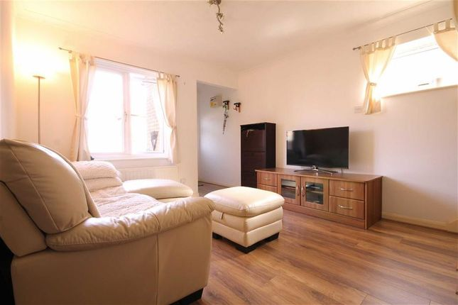 Thumbnail Property to rent in Mayfield Gardens, London