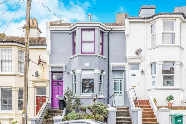 2 bed flat for sale in Crescent Road, Brighton