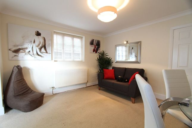 Thumbnail Flat to rent in City Walls, Chester, Cheshire