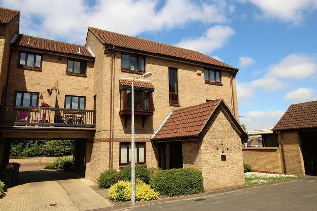 2 bed flat to rent in Dalrymple Way, Norwich NR6