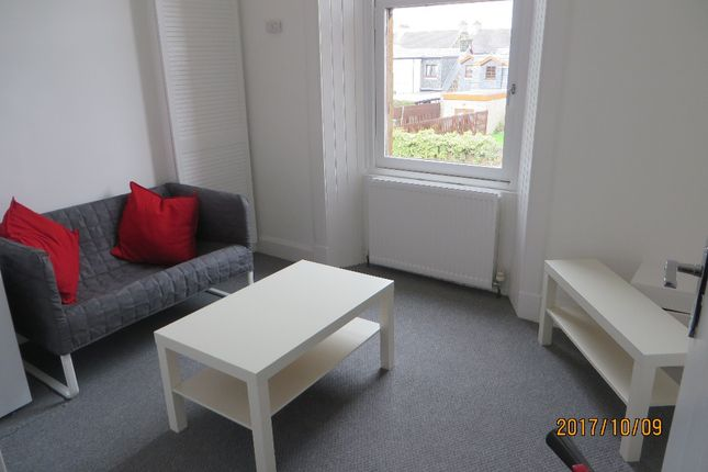 Thumbnail Flat to rent in Fir Street, Falkirk