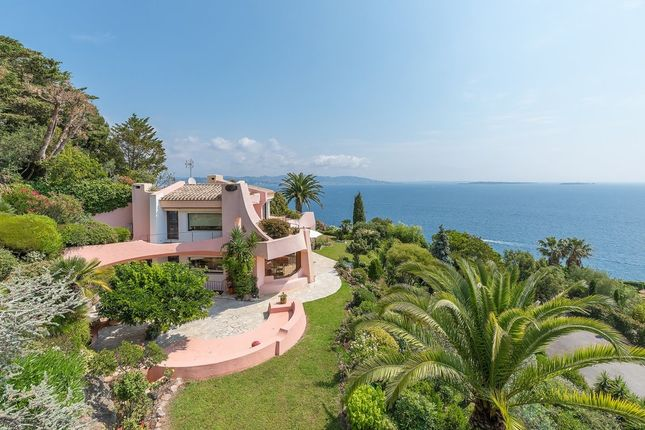 Villa for sale in Theoule Sur Mer, French Riviera, France