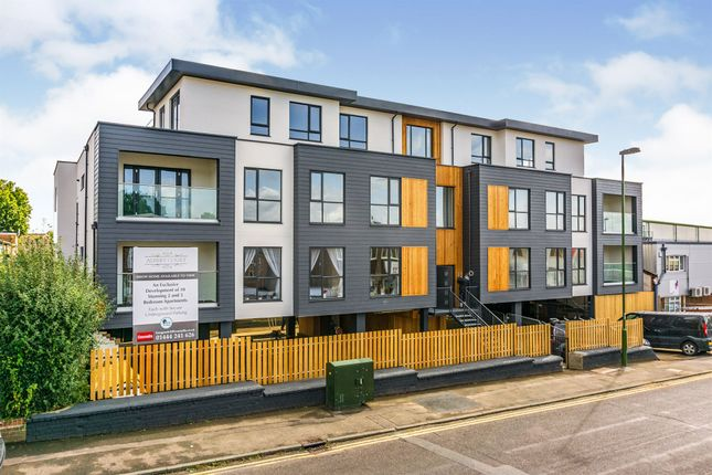 3 bed flat for sale in Victoria Road, Burgess Hill RH15