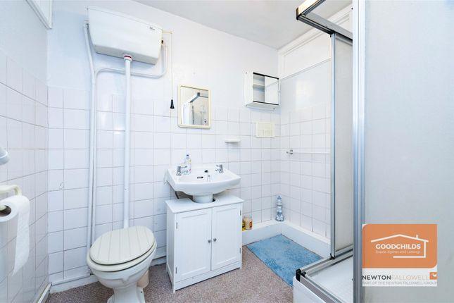 Bathroom of Silvercourt, Brownhills, Walsall WS8