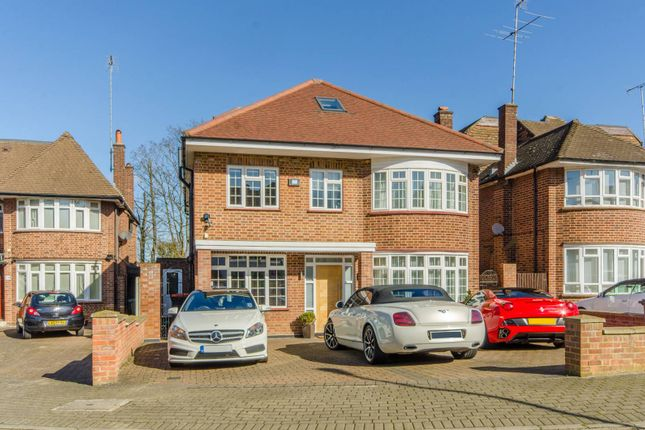 Thumbnail Detached house for sale in Grass Park, Finchley