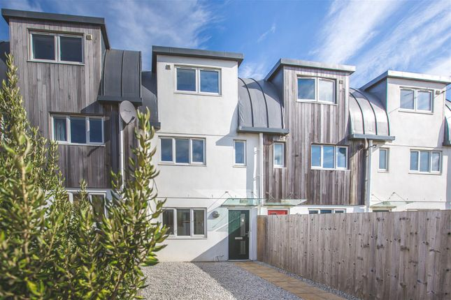 Thumbnail Terraced house for sale in Pentire Avenue, Newquay
