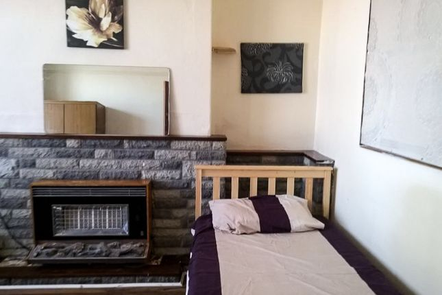 Thumbnail Shared accommodation to rent in 13 Malvern Terrace, Swansea