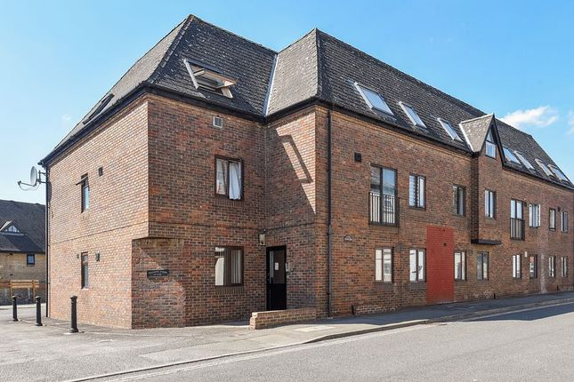 Thumbnail Flat to rent in North Street, Bicester