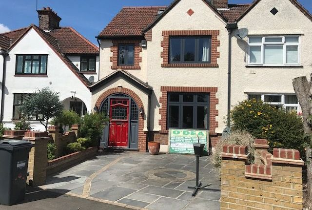 Thumbnail Semi-detached house to rent in Riverside Walk, Iselworth