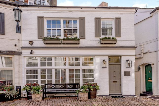 Thumbnail Terraced house for sale in Pont Street Mews, London