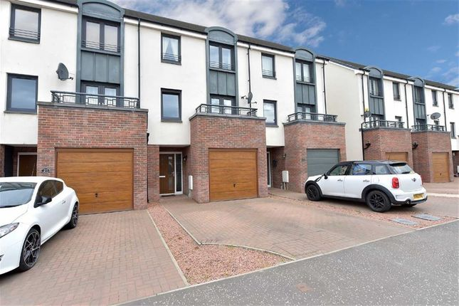 Thumbnail Town house for sale in Crofton Avenue, Braehead, Renfrew