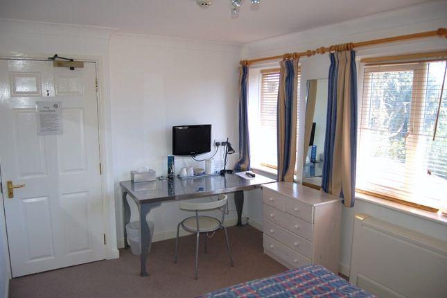 Guest Room 6 of Moniton Estate, West Ham Lane, Basingstoke RG22