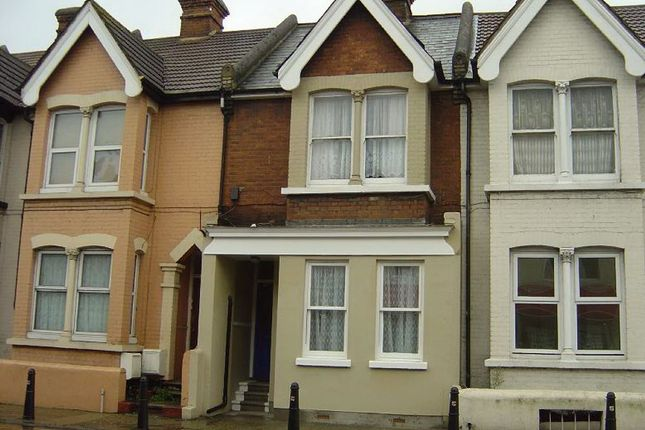 1 bed flat to rent in Balmoral Road, Gillingham, Kent