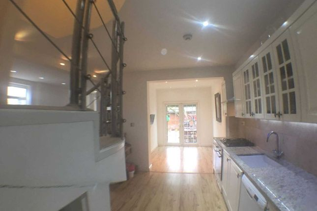 Thumbnail Detached house for sale in Wincrofts Drive, London