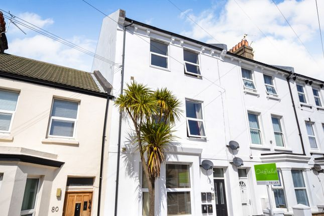 Thumbnail Flat to rent in Longstone Road, Eastbourne