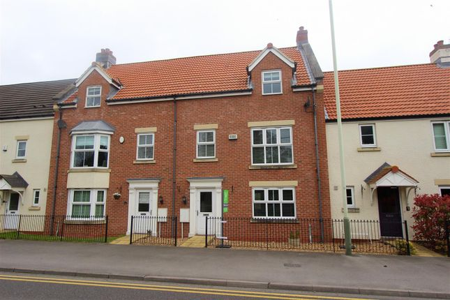 Thumbnail Town house to rent in Lawsons Court, High Coniscliffe, Darlington