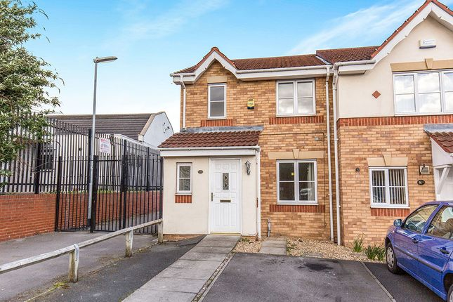 Thumbnail Semi-detached house to rent in Oakham Way, Leeds