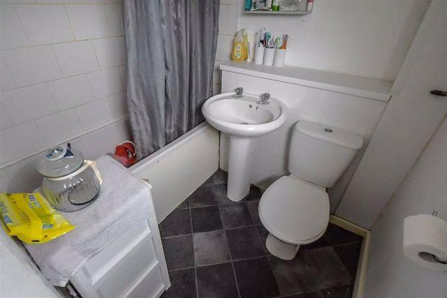 Bathroom of Pitsford Close, Bransholme, Hull HU7