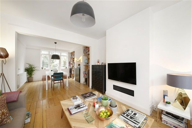 Thumbnail Terraced house for sale in Pleydell Avenue, London