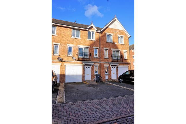 Thumbnail Town house for sale in Clos Dewi Sant, Cardiff