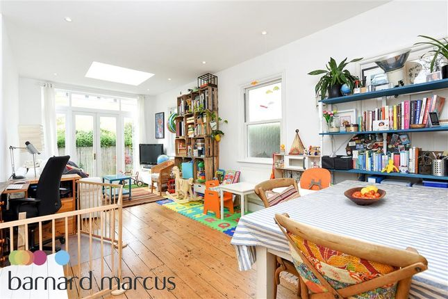Thumbnail Flat to rent in Thorney Hedge Road, Chiswick, London