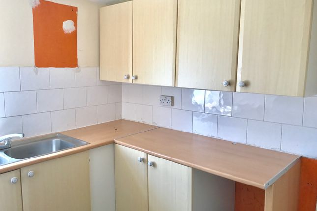 2 bed flat to rent in Wostenholm Road, Sheffield