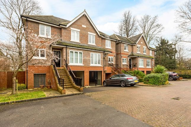 Thumbnail Semi-detached house to rent in Ray Park Avenue, Maidenhead