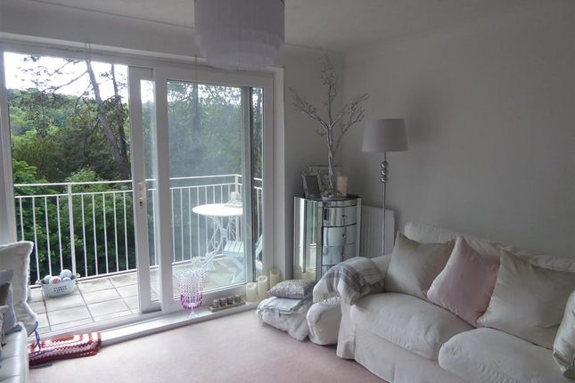 Living Room of Court Bushes Road, Whyteleafe, Surrey CR3