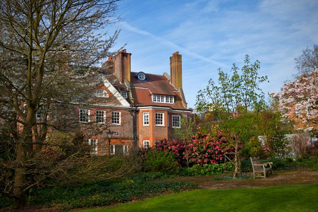 Gainsborough Gardens, Hampstead Village NW3