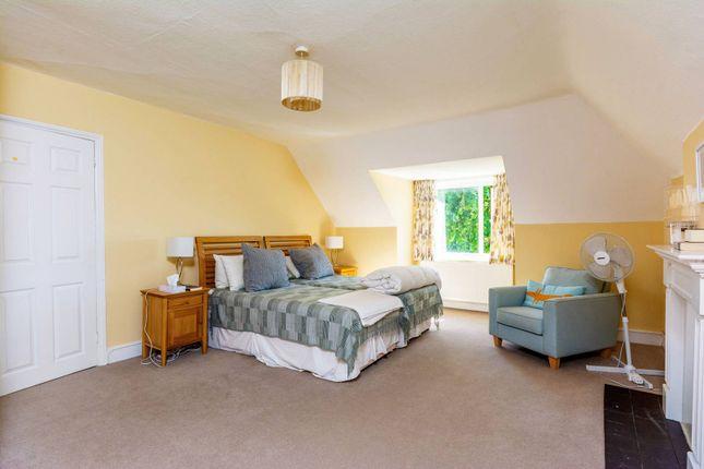 2 bed flat to rent in Grange Road, Gunnersbury