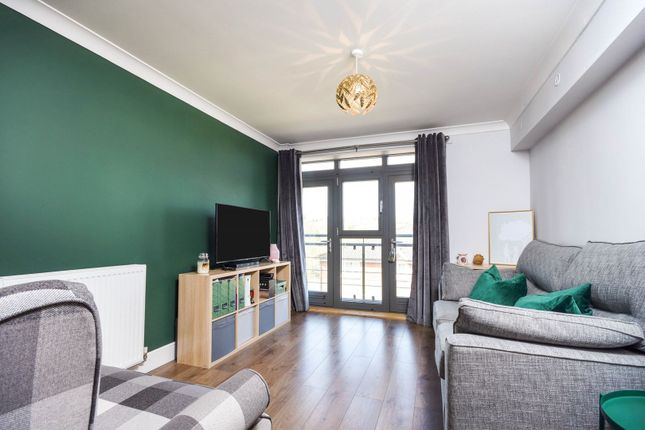Thumbnail Flat for sale in Hart Street, Maidstone