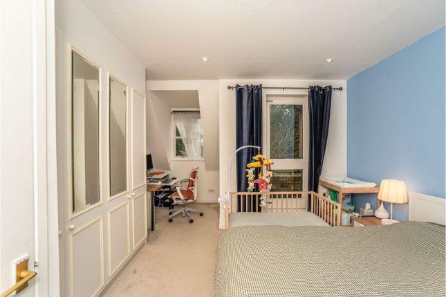 Bedroom of Amblecote Meadows, Grove Park SE12