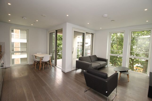 2 bed flat to rent in South Garden Mansions, Heygate Street