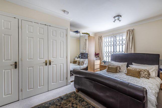 Windsor House - Bedroom 1