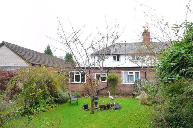 1 bed flat to rent in Ball Hill, Newbury