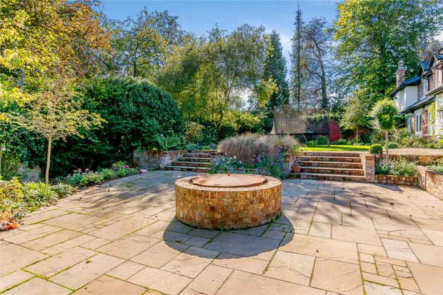 Picture No. 77 of King Harry Lane, St. Albans, Hertfordshire AL3