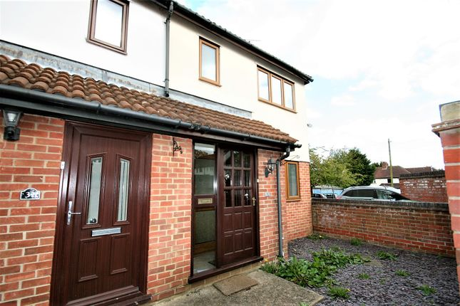 Thumbnail Semi-detached house to rent in Fairbank Close, Ongar