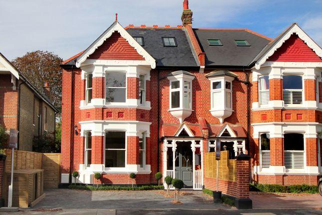 Thumbnail Flat for sale in Birch Grove, London