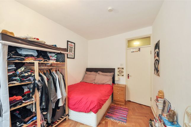 Picture No. 06 of Flat 5 Clifton House, Club Row, London E2