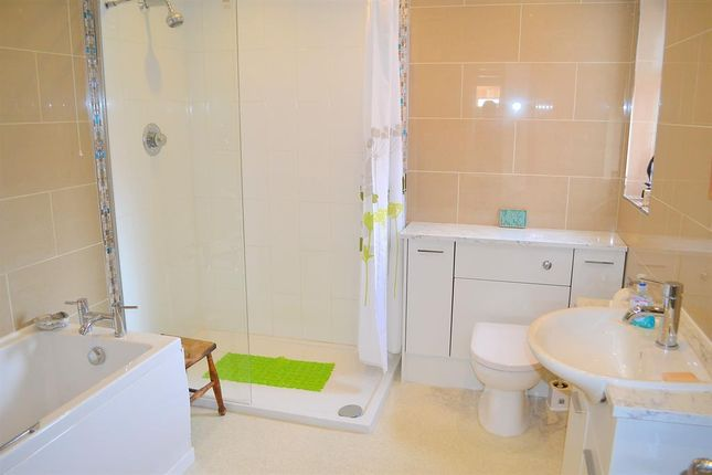 Bathroom of Chesterfield Road, Lichfield WS14