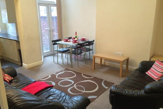 Thumbnail Property to rent in Bolton Road, Salford