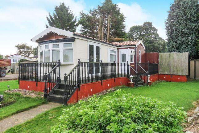 Thumbnail Mobile/park home for sale in Almholme Lane, Arksey, Doncaster