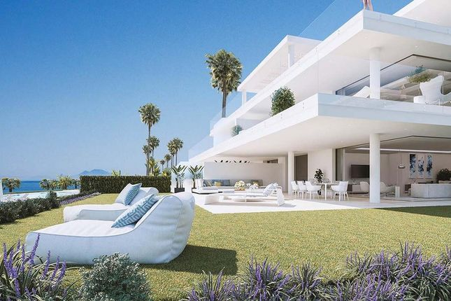 Thumbnail Apartment for sale in Estepona, Costa Del Sol, Spain