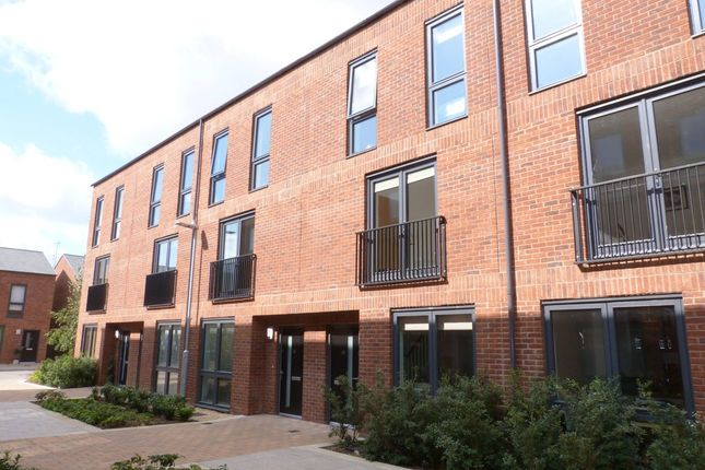 Thumbnail Town house to rent in Friars Orchard, Gloucester