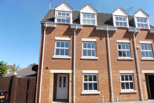 Thumbnail Property to rent in Lynnon Field, Chase Meadow Square, Warwick