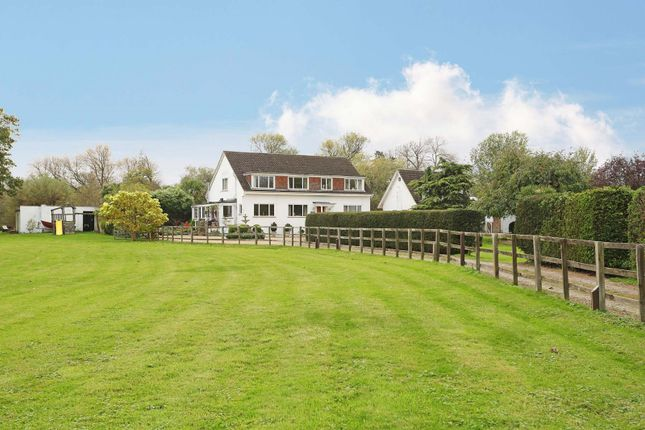 Thumbnail Property for sale in Wheatleys Eyot, Sunbury On Thames