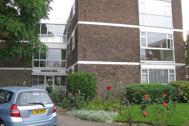 Thumbnail Flat to rent in Stratton House, Edgware