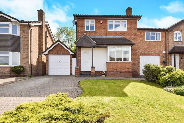 Thumbnail Detached house for sale in Cricketers Close, Stapenhill, Burton-On-Trent