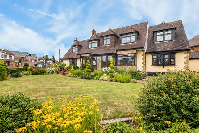 Thumbnail Detached house for sale in Parkstone Avenue, Hornchurch, Essex