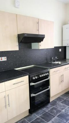 Thumbnail Flat to rent in York Place, Perth